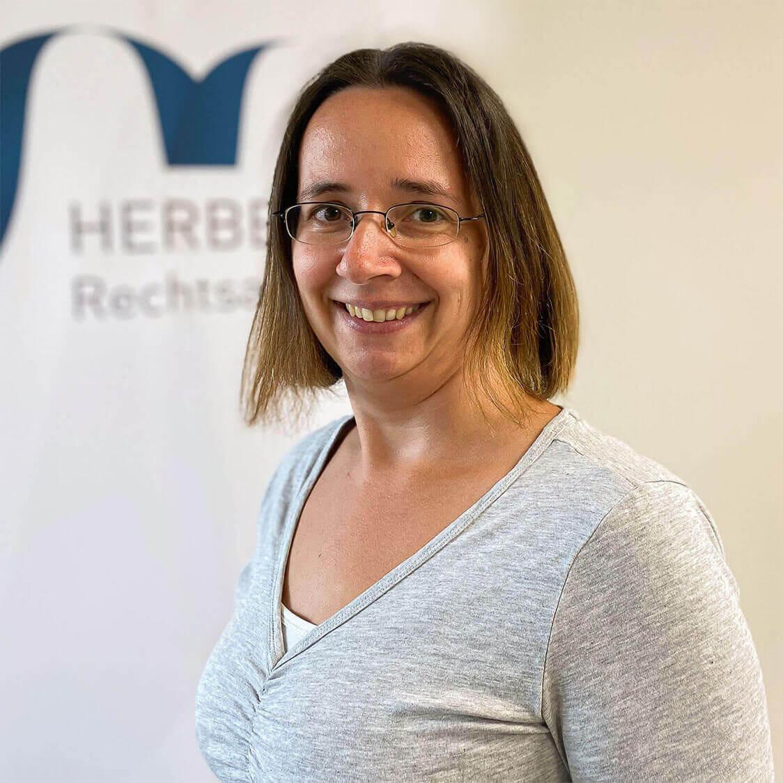 Melanie Schmitt - Lohn- und Finanzbuchhalterin - Herbert Rechtsanwälte Saarbrücken