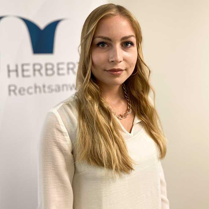 Josephine Oberst - Rechtsanwaltsfachangestellte - Herbert Rechtsanwälte Saarbrücken